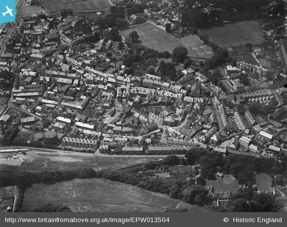 aerial 1925 from the east, Britain from Above archive