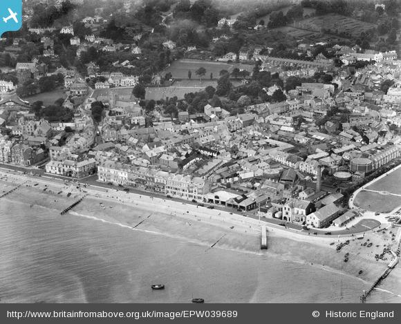 aerial 1932 eastern town, Britain from Above archive