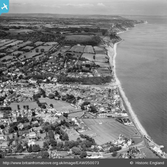 aerial 1953 town coast, Britain from Above archive